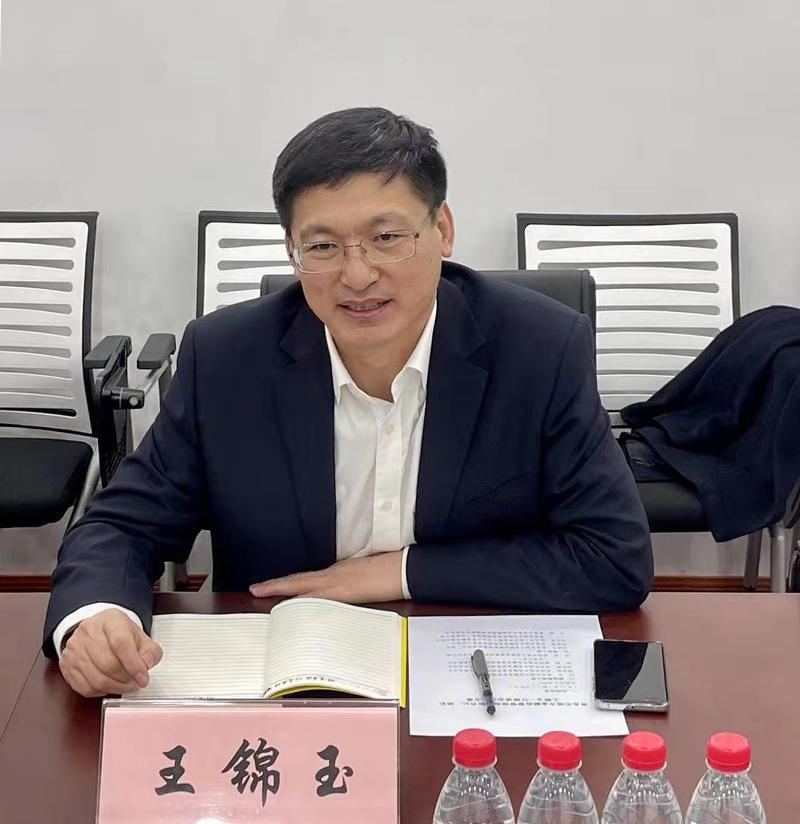 何杰局长会见青岛市地方金融监管局党组书记、局长王锦玉一行2.jpg
