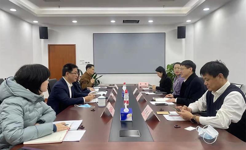 何杰局长会见青岛市地方金融监管局党组书记、局长王锦玉一行3.jpg