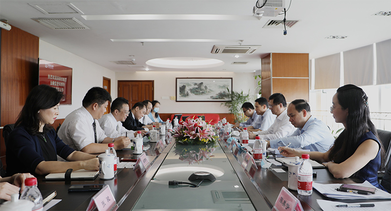 市地方金融监管局党组书记刘平生赴银泰证券、前海开源基金公司调研1.jpg